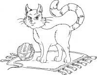Распечатать раскраску кошка с клубком на коврике