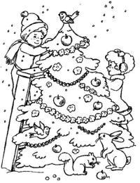 Новогодние раскраски, дети наряжают елку