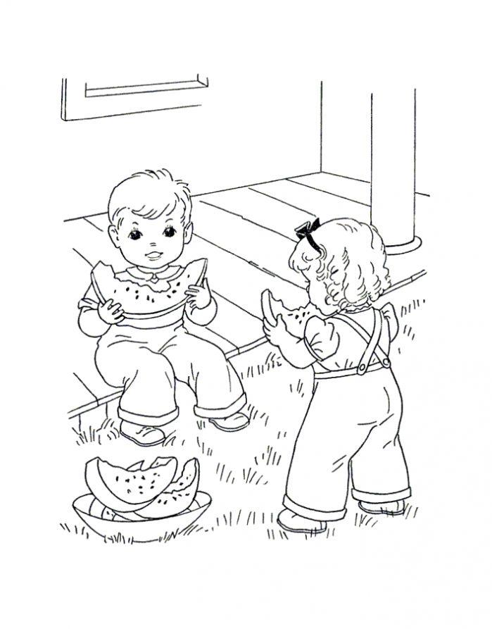 Раскраска летняя дети едят арбуз