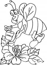 Пчелка собирает мед в ведерко
