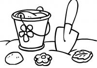 Раскраска песочница. раскраска раскраска для малышей, формочки, совок, ведерко, простая раскраска для самых маленьких, песочница